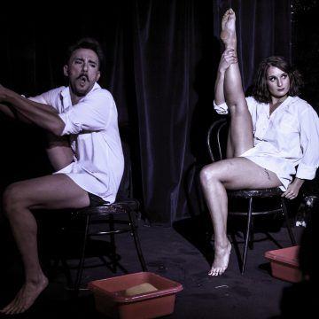 Eddy von Piñata & Justy Licious dans leur duo phare. Crédit photo : Claire DEM