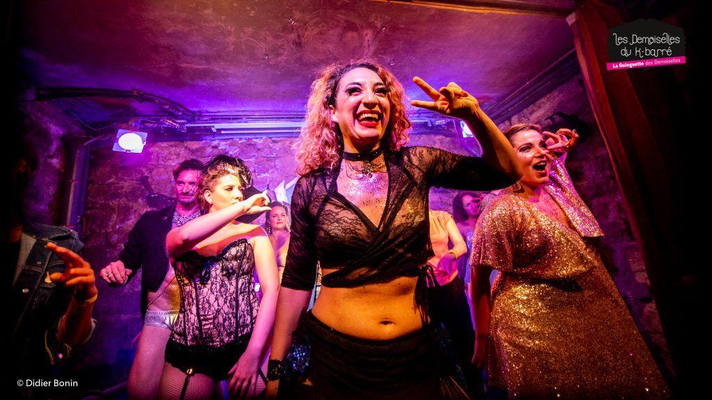 cabaret-humour-burlesque-effeuillage-EVJF-sortie-fun-insolite-empowerment-bodypositive